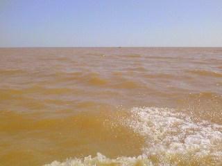 トンレサップ湖水平線